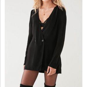 NWOT Urban Outfitters Black Longline Blazer